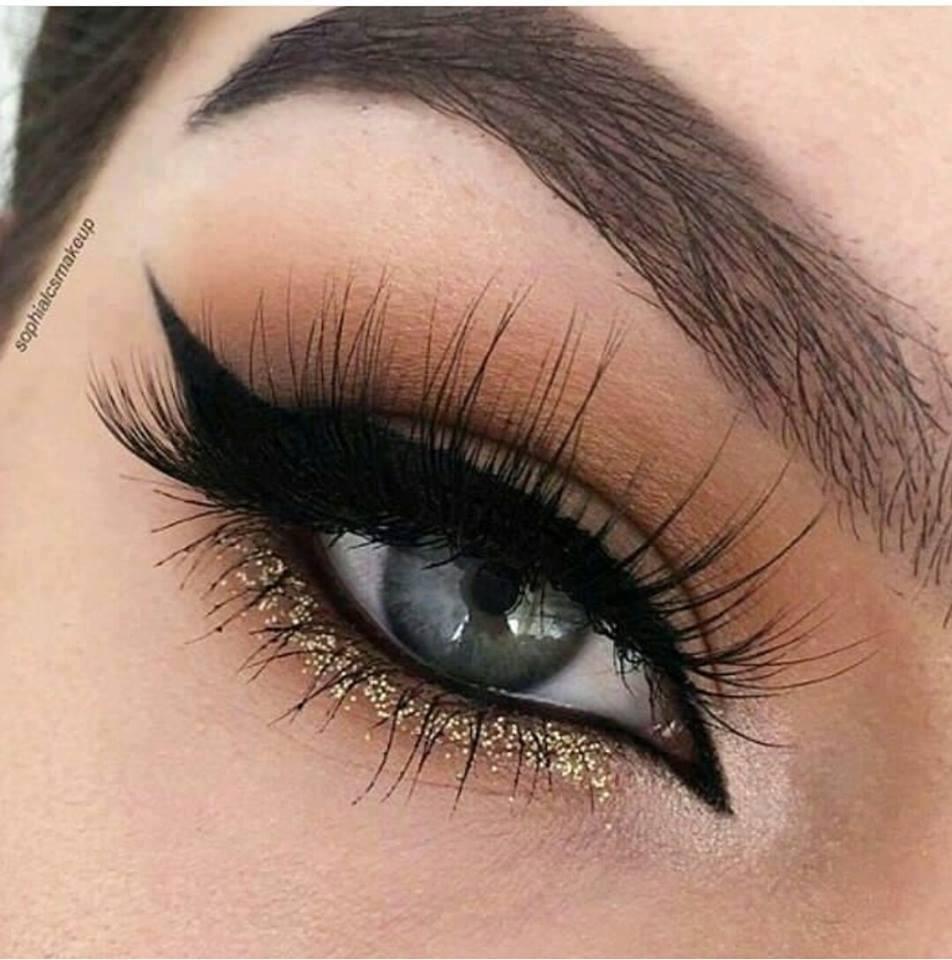 красиви очи с модерен грим