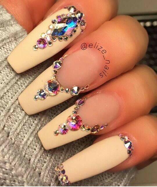 маникюр с кристали