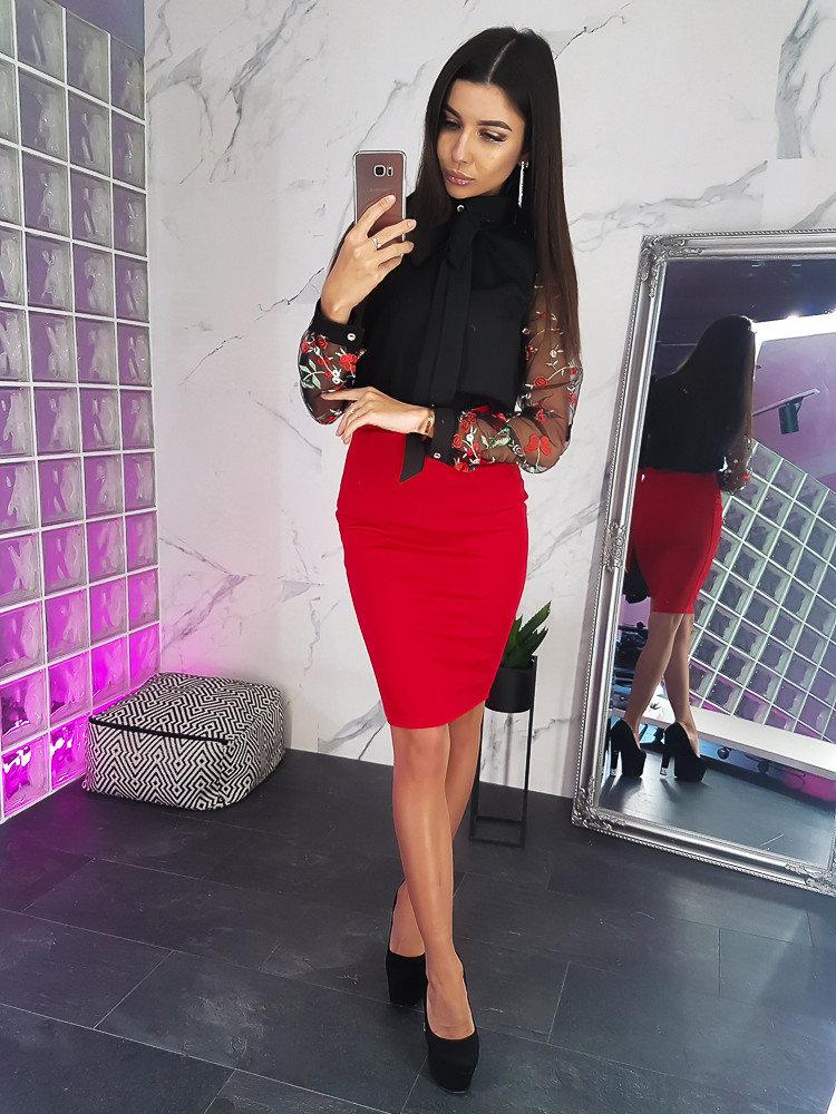 червена пола