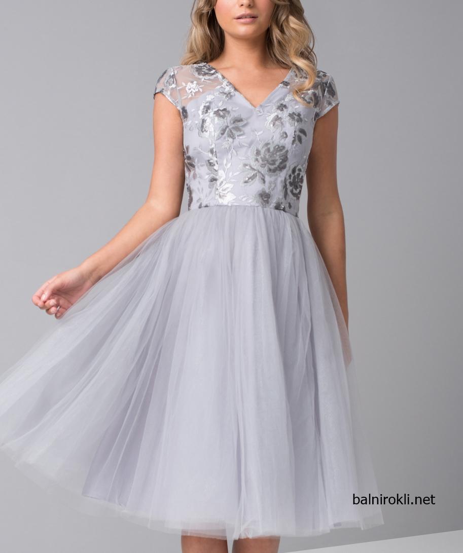 Сива сребриста бална рокля средна дължина