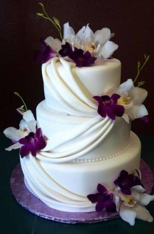 сватбена торта с орхидеи