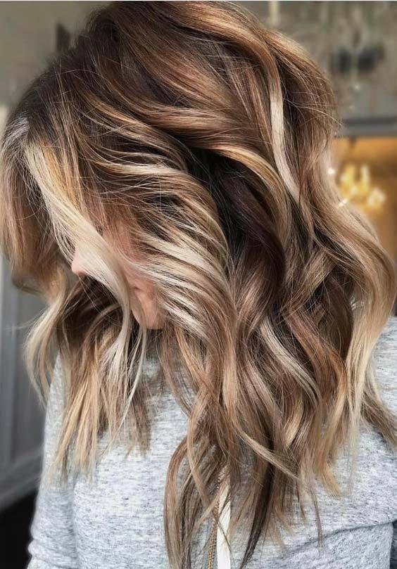 модерна прическа коса средна дължина