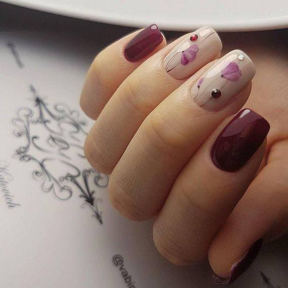 красив маникюр в цвят бордо