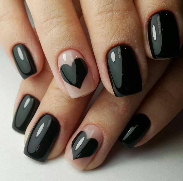 красив маникюр в черен цвят