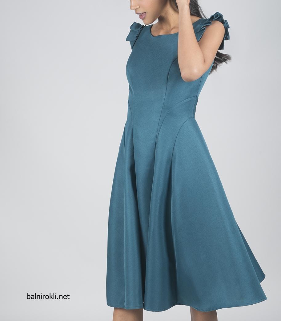 зелена официална рокля сатен средна дължина