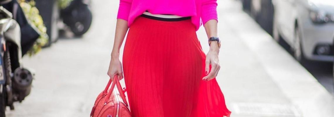 20 стилни начина да носите Червена Пола през 2020 г.