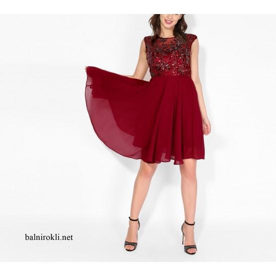 Елегантна Червена Къса Вечерна Рокля Декорации